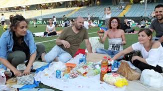 Cesena, i tifosi salutano la Serie A con un picnic / FOTO