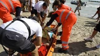 Portonovo, ragazzino rischia di affogare in mare