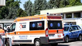 Aggredito e rapinato da un motociclista, benzinaio si sente male