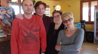 Rosolina, terza volta al bar: ladri ad alta fedeltà