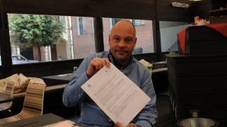 «Il Comune vuole che demolisca il mio dehor: ricorro al Tar, i documenti mi danno ragione»