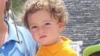 """Dramma a Reggio Emilia, muore bimbo di due anni: """"Ha bevuto il liquido per lavastoviglie"""""""