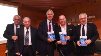 """Sport, Malagò presenta il libro bianco. Bonaccini: """"Investiremo 20 milioni """""""