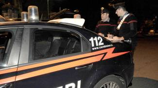 Sorpresi a rubare al centro commerciale: arrestati due ladri in trasferta