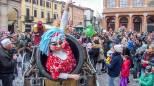 Carnevale, tutte le foto del martedì grasso con i bambini in maschera