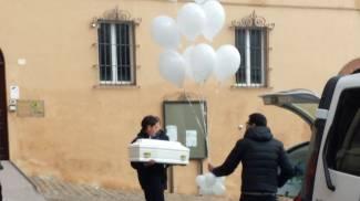 Morta all'asilo, le foto del funerale di Giulia