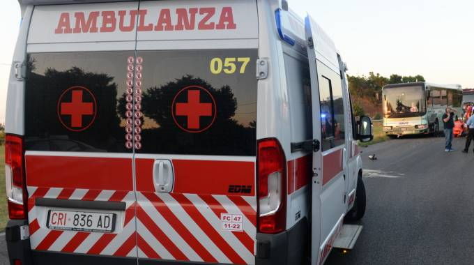 Un'ambulanza della Croce rossa (repertorio)