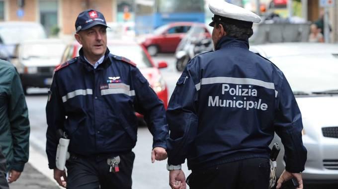 Sassuolo controlli della polizia municipale contro l for Control permesso di soggiorno