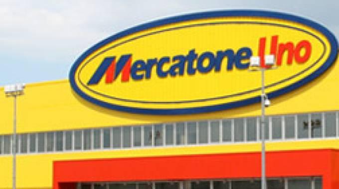 Mercatone uno in crisi nera i lavoratori tremano ascoli for Il mercatone dell arredamento di fizzonasco